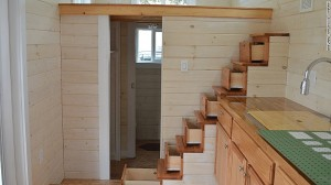 150330111515-tiny-home-drawer-staircase-780x439