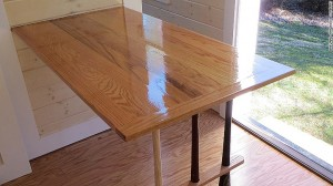 150330112014-tiny-home-wall-kitchen-table-780x439
